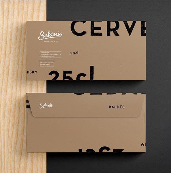 Cách typo chữ thông minh với màu sắc đẹp đã góp phần tạo nên một mẫu thiết kế phong bì thư vô cùng sáng tạo