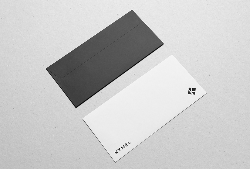 Mẫu in phong bì thư công ty với hai mặt trước sau là hai màu đối lập. Đơn giản và mạnh mẽ là điều mà mẫu phong bì này theo đuổi