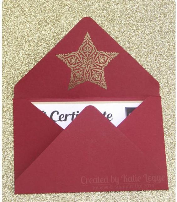 Phía bên trong mẫu in phong bì công ty đẹp nhất 2016 do Tân Nhật Minh sưu tầm có in ngôi sao nổi mạ vàng. Vẻ đẹp đến từ bên trong