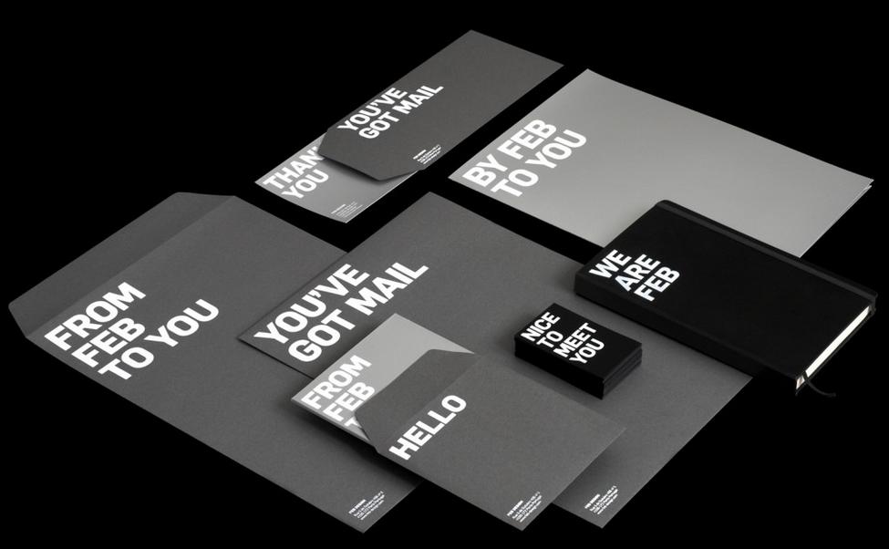 Vài dòng chữ ngắn ngủi, kết hợp hoàn hảo hai màu trắng và ghi đen với font chữ cũng cực kỳ đơn giản đã tạo nên một mẫu phong bì thư nói riêng và bộ nhận diện thương hiệu nói chung cực kỳ đẹp
